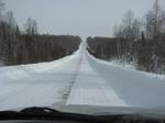 Снег на дороге почищен